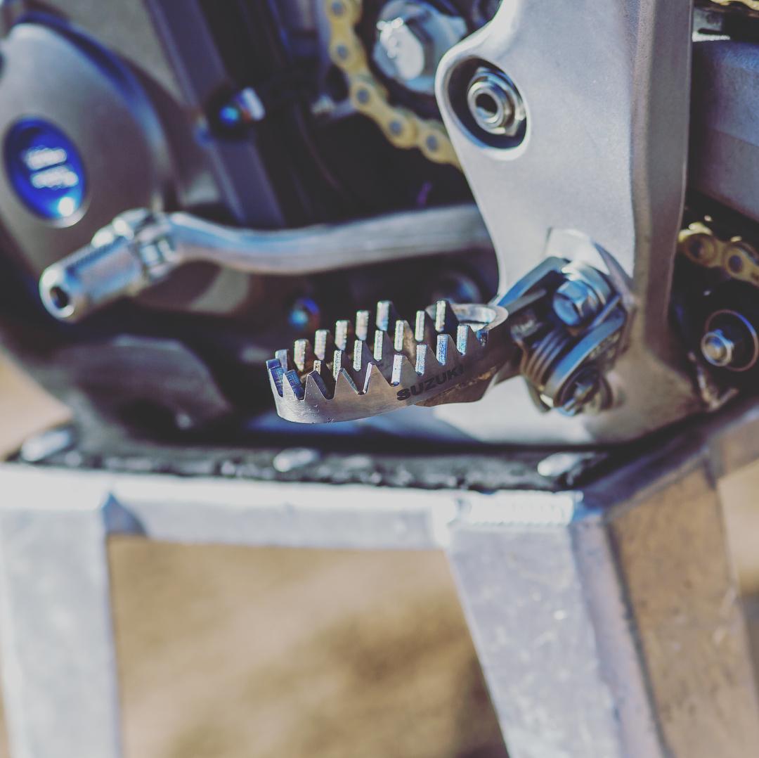 #rideengineering #factory #tibling #titaniumfootpegs #raptorfootpegs...